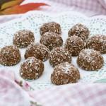 Cashew coconut cacao balls