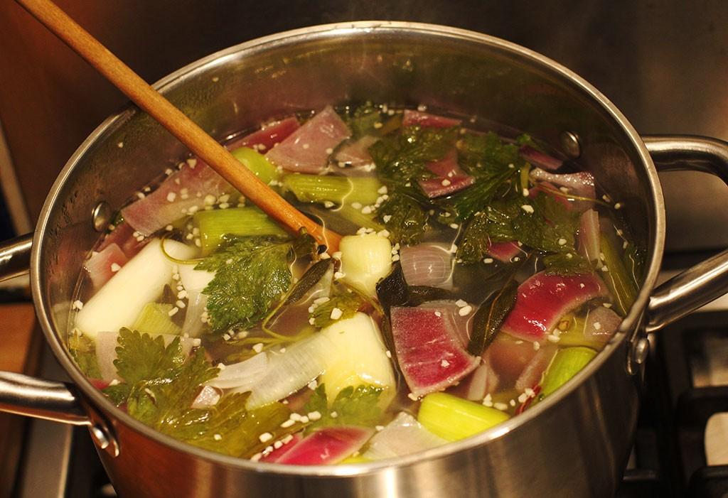Homemade-vegetable-stock2