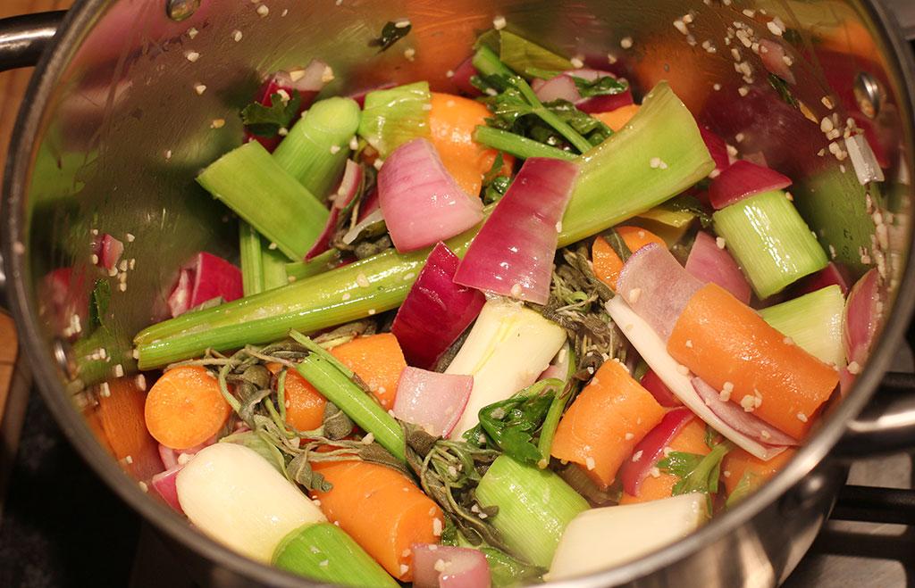 Homemade-vegetable-stock3